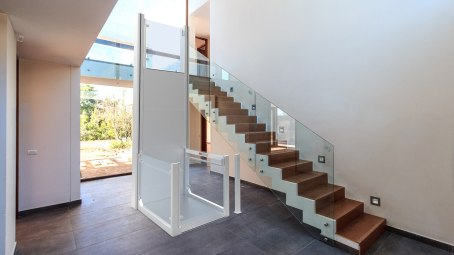 RB150_with_stairs (1)